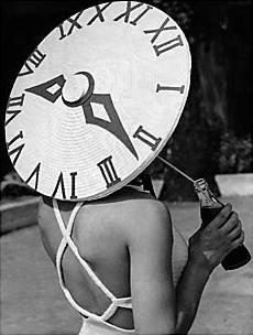 """""""Hasta que usted no se valore, no valorará su tiempo. Hasta que no valore su tiempo, no hará nada con él"""""""