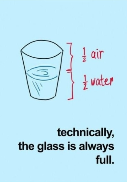 50% aire, 50% agua...técnicamente siempre esta lleno.